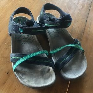 Merrell sandals in good used condition size 8